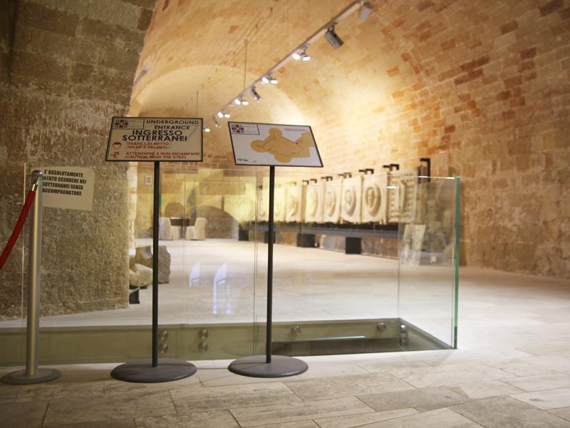 Leggii informativi EXPO\' - Pannelli espositivi, vetrine espositve ...
