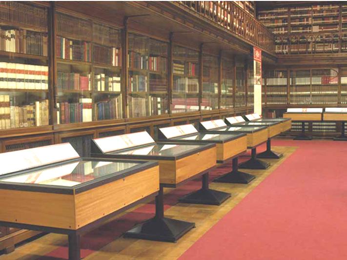 arredi per biblioteche pannelli espositivi vetrine
